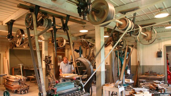 http://antiquemachinery.com/sitebuilder/images/